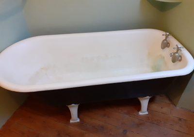 Bath 6 before